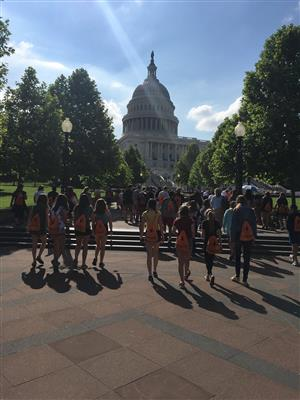 Middle Schoolers Heading Towards the Capitol